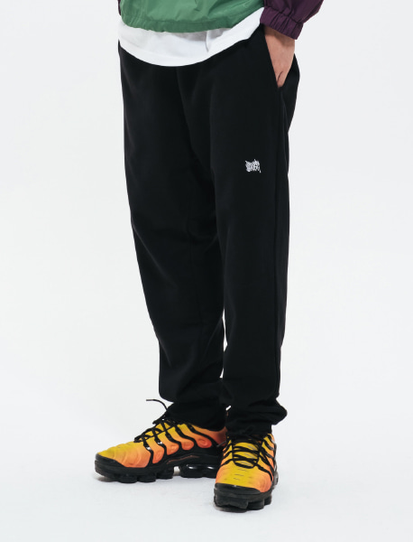TAG SWEAT PANTS - BLACK brownbreath
