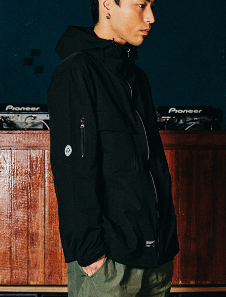 DEFS WINDBREAKER - BLACK brownbreath